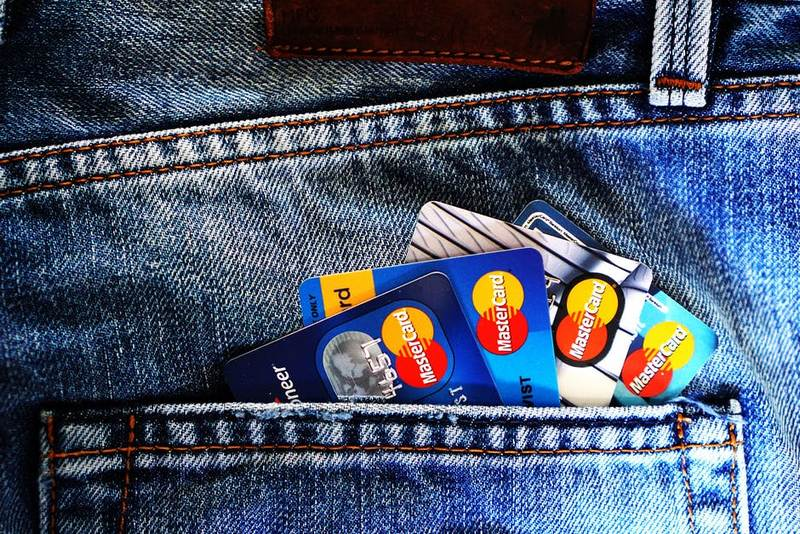 Что такое кобрендовая (кобрендинговая) карта банка?