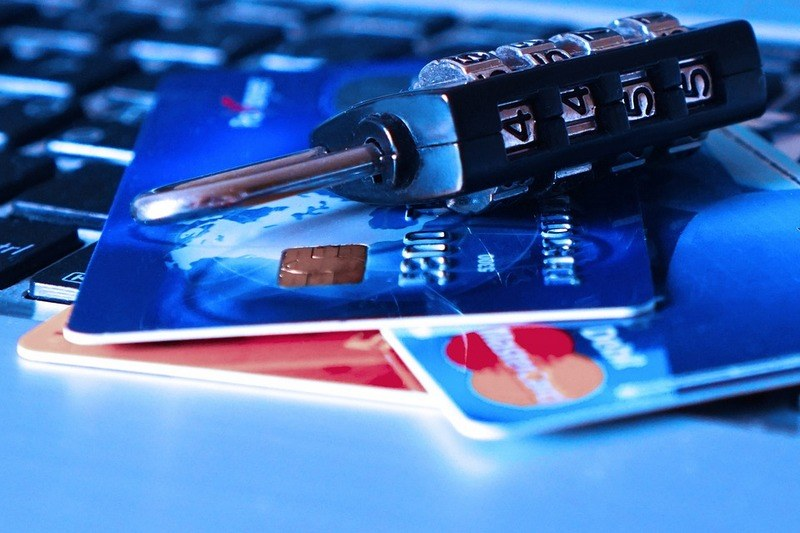 Как снять деньги с заблокированной карты